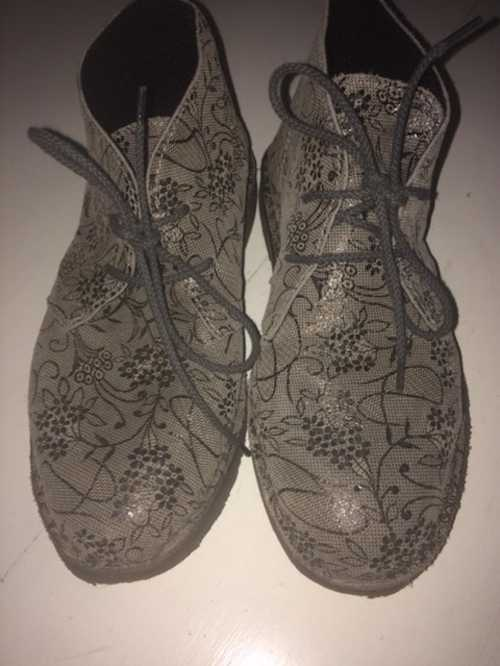 Chaussures plates italiennes styles clarks