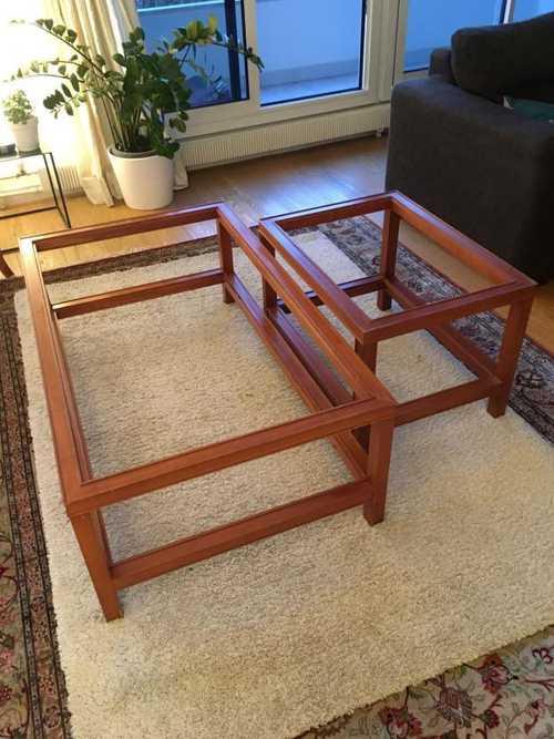 2 tables basses en verre et bois
