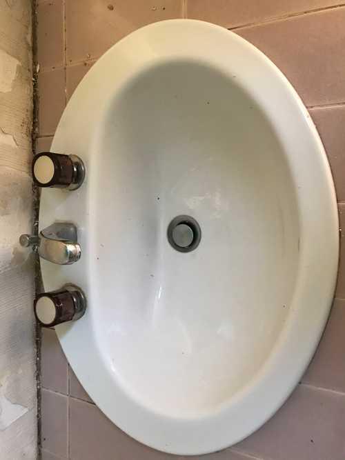 Vasque +robinetterie