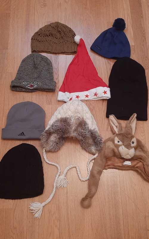 Lot bonnets et écharpes