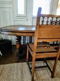 Table salle à manger avec rallonges et chaises