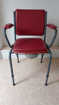 Chaise percée + chaise de douche