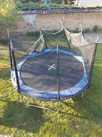 donne trampoline